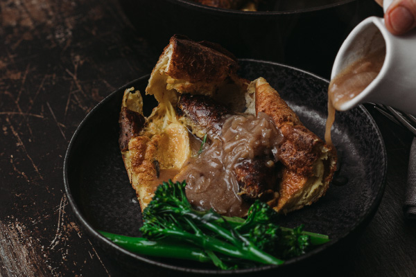 Lincolnshire-Toad-in-the-Wolds-with-Onion-Gravy_Support-3-600x400
