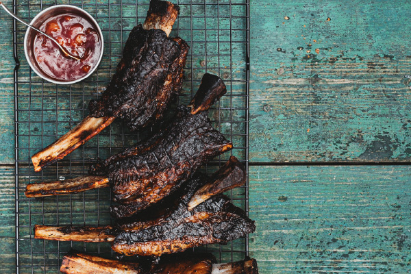 Slow-Cooked-Beef-Ribs_Support-4-600x400